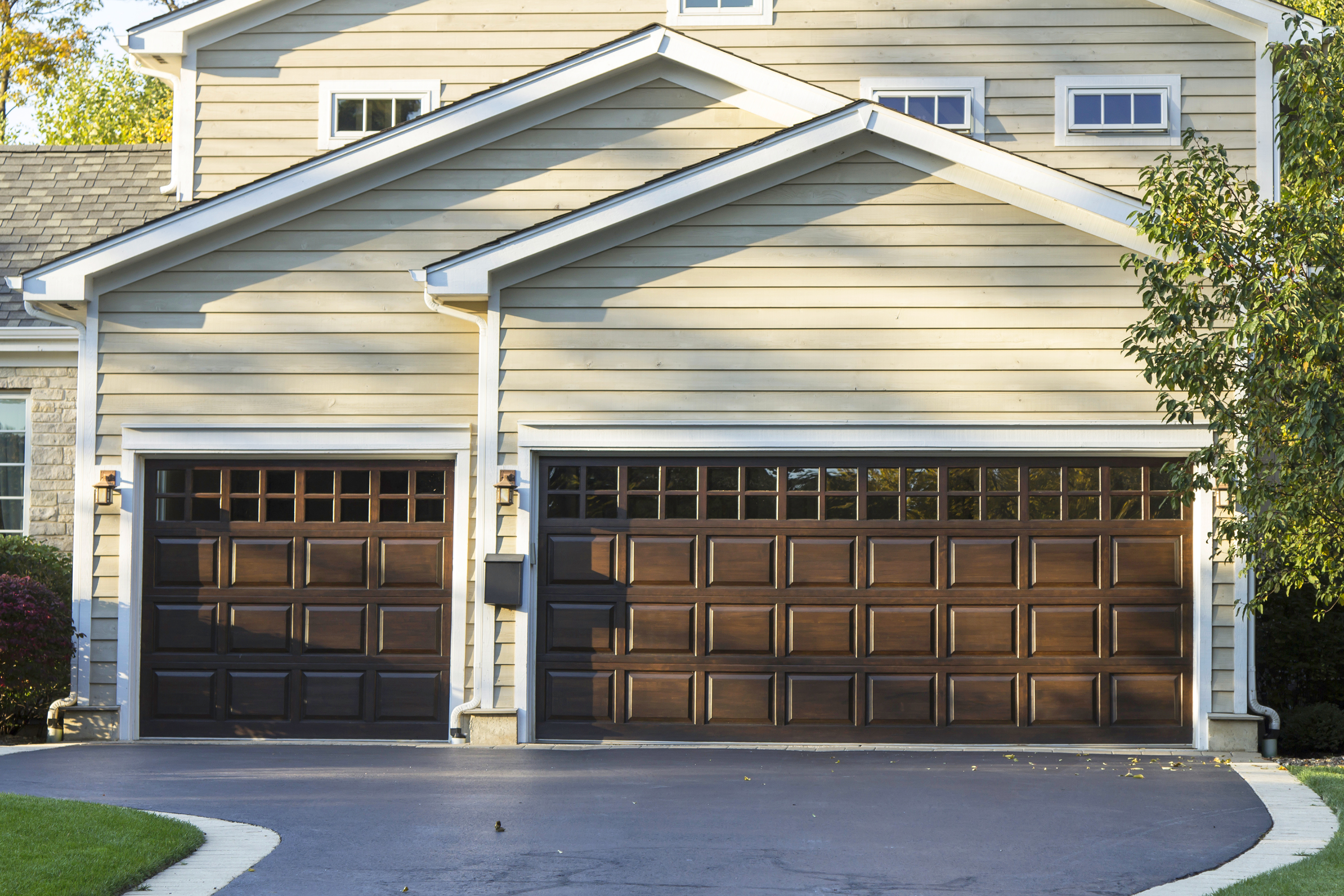 boosting your curb appeal with your garage rismedia 39 s On garage door curb appeal