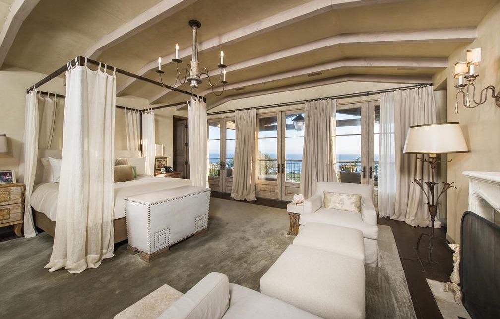 Gaga Bedroom