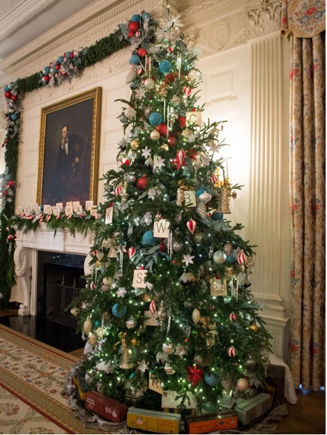 Scrabble Christmas Tree White House