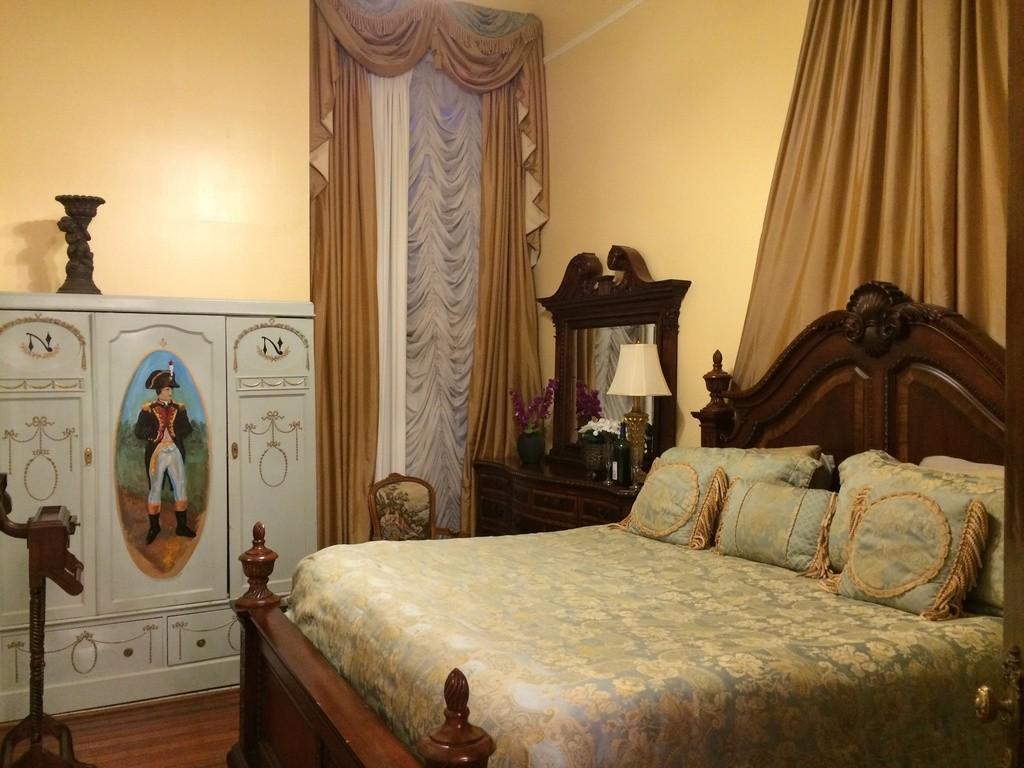 NOLA Mansion 4