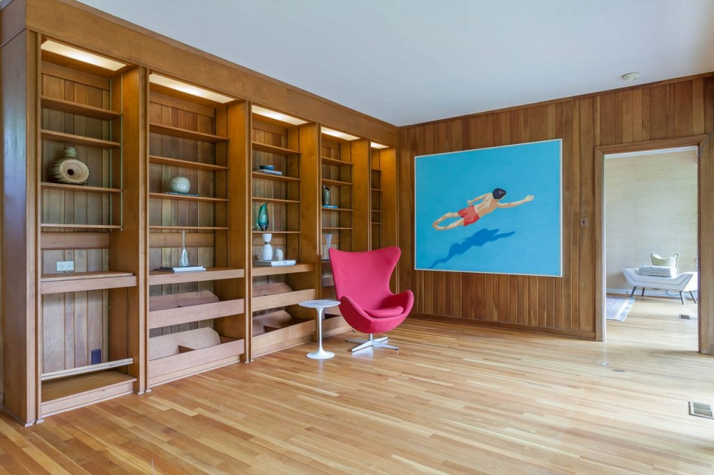 Open-library-with-built-in-shelves
