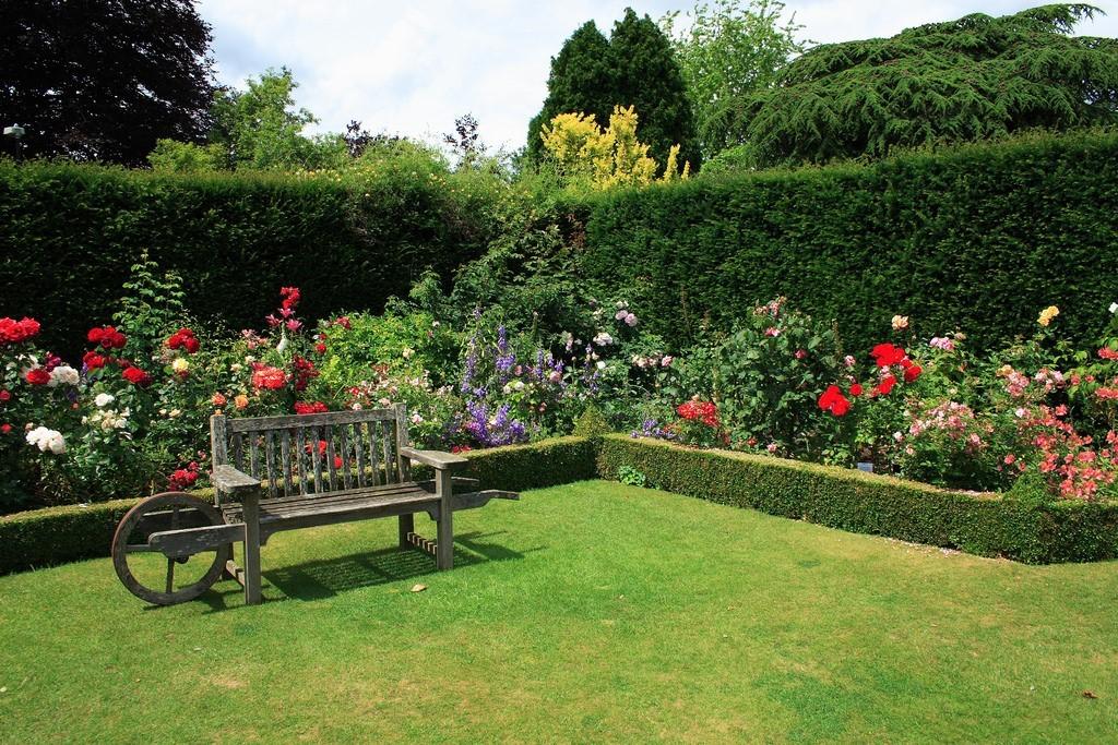 Elegant Landscape Designs Can Greatly Enhance Property Value ...