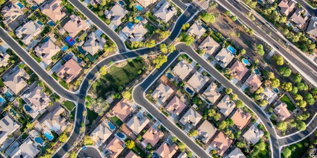 Howdy Neighbor: 5 Criteria to Consider When You Buy Property